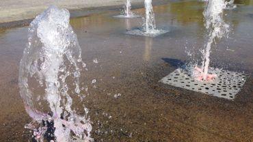 Températures élevées: fontaines et points d'eau dans les villes pour se rafraîchir
