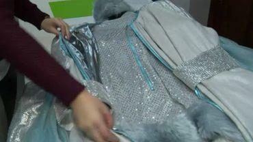 Le costume de prince de glace représente environ 200 heures de travail