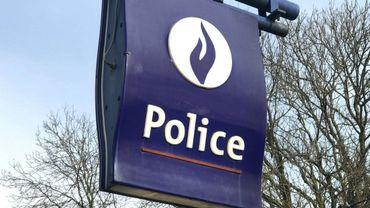 Le conducteur a été interpellé par la police de la zone Nivelles/Genappe.