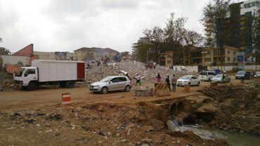 Le centre commercial Ukay a été construit illégalement il y a 25 ans au-dessus de la rivière Nairobi, provoquant régulièrement des inondations.