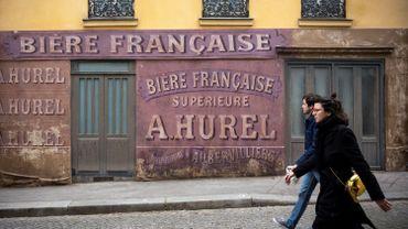 Depuis le confinement, un décor de cinéma fige un coin de Paris sous l'occupation nazie