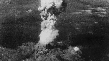 Hiroshima n'était plus que fumée, après le largage de Little Boy, la première bombe atomique lancée sur la ville du Japon le 6 août 1945