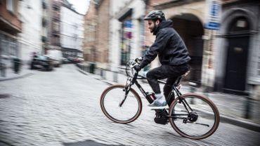 Ce qui change le 1er octobre: cours de philo en primaire, plaque et casque pour les vélos électriques...