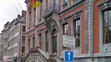 La ville de Liège va faire payer les asbl pour l'utilisation de ses locaux scolaires (Hôtel de ville de Liège, illustration)