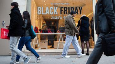 Single day, Black Friday, des journées favorables au commerce en ligne: des enseignes françaises dénoncent