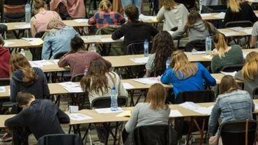 Des associations étudiantes soutiennent l'examen d'entrée en médecine à contrecœur