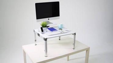 Un bureau modulable pour travailler debout et assis