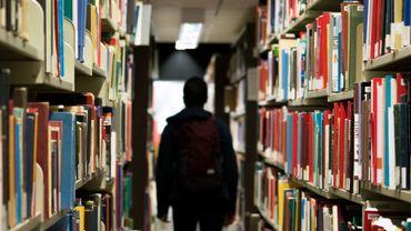 Trouver Un Livre En Bibliotheque Le Portail Mis A Neuf