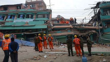 Séisme au Népal: le bilan continue à s'alourdir, de violentes répliques