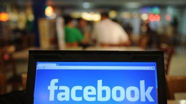 Selon un sondage, un quart des 18-35 ans partagent des photos d'eux tous nus sur les réseaux sociaux.