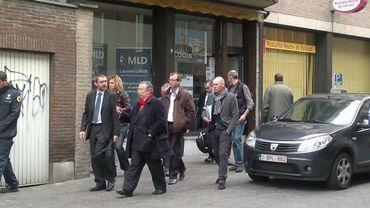 La perquisition s'opère en présence du président de la Chambre, André Flahaut