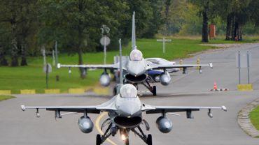 Des F16 belges ont été envoyés en Irak en renfort de la coalition internationale contre le groupe terroriste Etat islamique. Ces appareils ont été photographiés le 26 septembre à Florennes lors de leur décollage pour leur base de Jordanie.