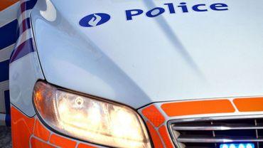 Poursuivi par la police, le prévenu avait pris l'autoroute E411, était sorti à Jesus-Eik et avait remonté la bretelle à contresens.