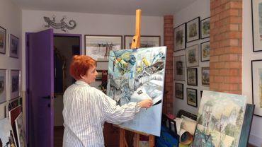Hermine Meunier dans son atelier à Loverval