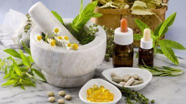 En gellules, pilules ou gouttes, l'homéopathie est utilisée sous plusieurs formes