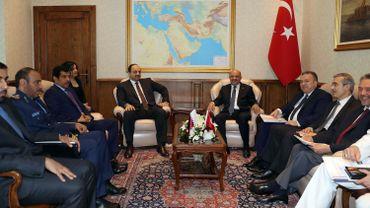 Le ministre qatari Khaled bin Mohammed al-Attiyah a rencontré son homologue turc Fikri Isik au ministère de la défense à Ankara, a annoncé l'agence gouvernementale turque Anadolu.