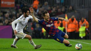 Vers une chute des salaires pour les joueurs du Real et du Barça ?