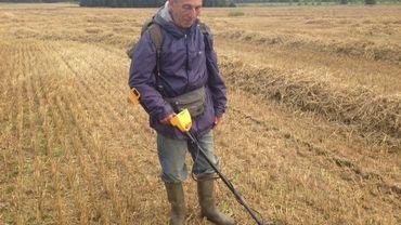 Gérard Rouez arpente les champs à la recherche de trésors du passé