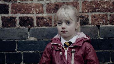 """""""L'enfant silencieuse"""" : contrainte à la solitude"""