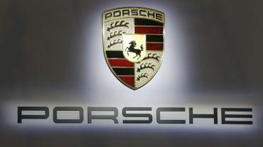 Le groupe Porsche est accusé d'avoir informé trop tard le marché de la manipulation des moteurs diesel.