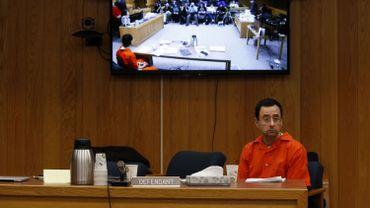 L'ex-médecin sportif Larry Nassar a été condamné à une peine de 40 à 125 années de prison pour abus sexuels sur des gymnastes américaines.