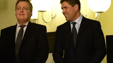 Sigmundur Gunnlaugsson, leader du Parti du Progrès et Bjarni Benediktsson, leader du Parti Independence, les deux vainqueurs du scrutin.