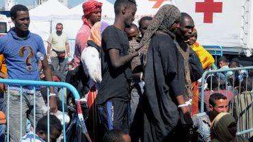Mort d'au moins 30 personnes dans un naufrage au large de la Libye