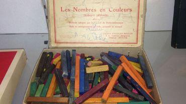 La boîte recelant les fameux nombres en couleurs de Cuisenaire