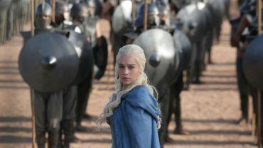 """Emilia Clarke incarne Daenerys Targaryen dans la série """"Game of Thrones""""."""