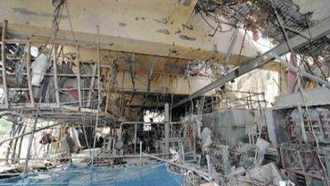 L'intérieur du réacteur 4 de Fukushima, au dessus duquel se trouve une piscine à combustible