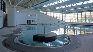 La nouvelle piscine compte deux bassins, l'un de 25 mètres sur 15, avec 6 couloirs, et un autre bassin d'apprentissage, de 15 mètres sur 10 (photo).