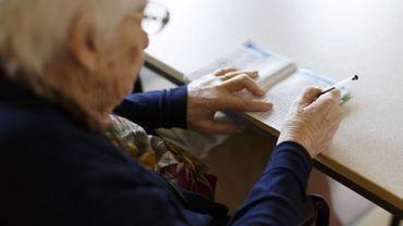 Coronavirus : quitter la maison de repos pour la famille, une décision très lourde