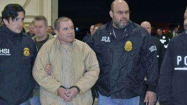 """Le narcotrafiquant mexicain Joaquin """"El Chapo"""" Guzman lors de son extradition aux Etats-Unis, le 19 janvier 2017"""