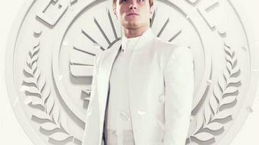 """Vainqueur des derniers Hunger Games, Peeta doit jouer la propagande du président Snow dans """"Hunger Games : la révolte - Partie 1"""""""