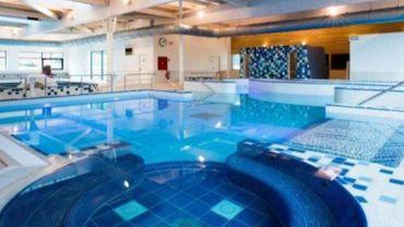 Les espaces détente de la piscine de Braine-le-Comte