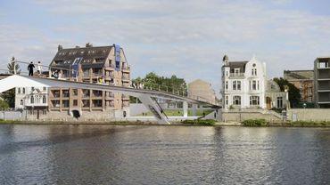 La future passerelle cyclo-piétonne de Namur, entre le Grognon et Jambes, est fine pour mieux s'intégrer dans le paysage