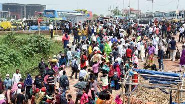 Le déconfinement a provoqué des mouvements de foules au Bangladesh.