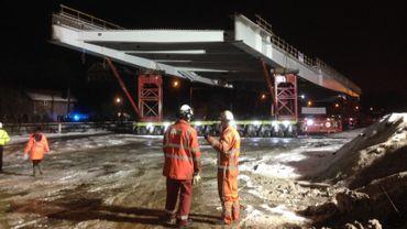 Le premier morceau du pont du Trilogiport est posé