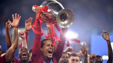 Van Dijk nommés aux côtés de Messi et Ronaldo pour le Prix UEFA du meilleur joueur