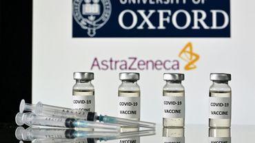 Le vaccin contre le coronavirus d'AstraZeneca se transforme en casse-tête pour le laboratoire anglo-suédois