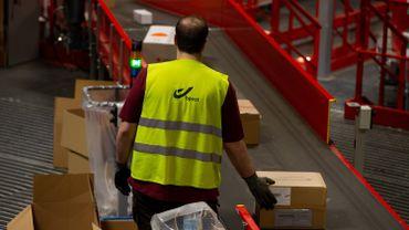 En Belgique, bpost estime qu'il n'y a pas lieu d'interrompre la distribution des colis de particuliers, en provenance de Chine.