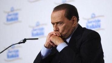 La défense de Berlusconi veut repousser deux verdicts imminents
