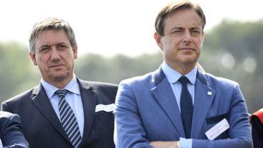 Attentats à Bruxelles: polémique sur la présence de Bart De Wever à une réunion de crise