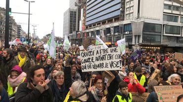 """""""J'peux pas, j'ai climat"""" : les journalistes, des manifestants comme les autres?"""
