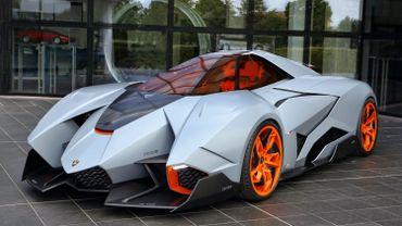 La Lamborghini Egoista a été présentée en 2013 à l'occasion des 50 ans de la prestigieuse marque italienne