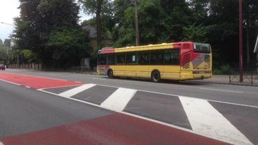 L'arrêt du bus 451 à Loverval a beaucoup fait parler de lui ces dernières heures