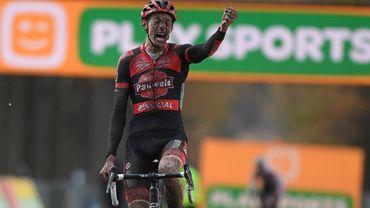 Superprestige : Victoire de Michael Vanthourenhout à Merksplas devant le leader Eli Iserbyt