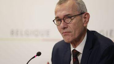 """Coronavirus en Belgique: """"dans les hôpitaux, nous sommes au bord du drame"""" s'inquiète Frank Vandenbroucke"""