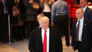 Climat, enquête sur Hillary Clinton, torture: les promesses de Trump s'évaporent