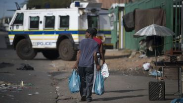 """A Johannesburg, les """"requins prêteurs"""", ces usuriers qui prêtent aux pauvres à des taux faramineux"""
